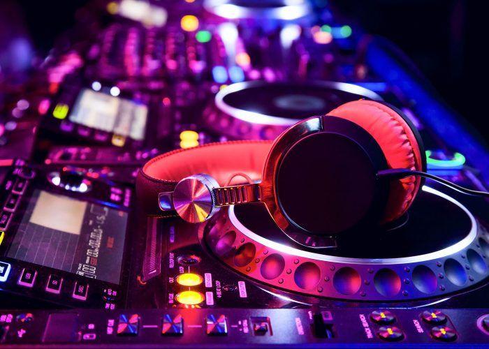 Artiest of DJ Huren
